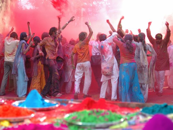 Holi in Hindi