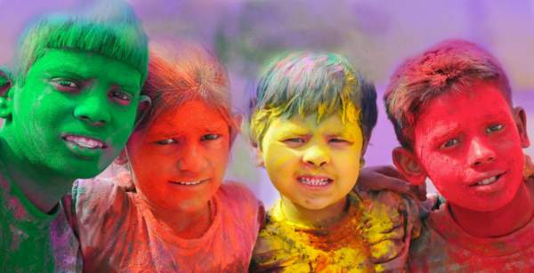 holi wallpaper for whatsapp
